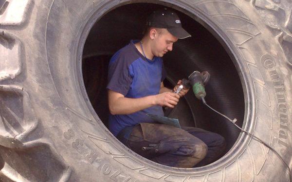 Reparation af traktordæk